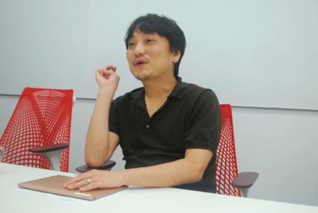 """在区块链游戏中""""玩并赚"""":访日本gumi CEO国光宏尚"""
